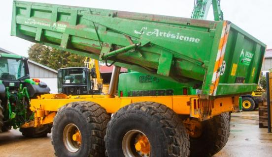 Tracteur-benne